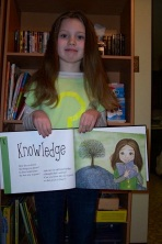 This gorgeous look-alike fan brings the book to life!